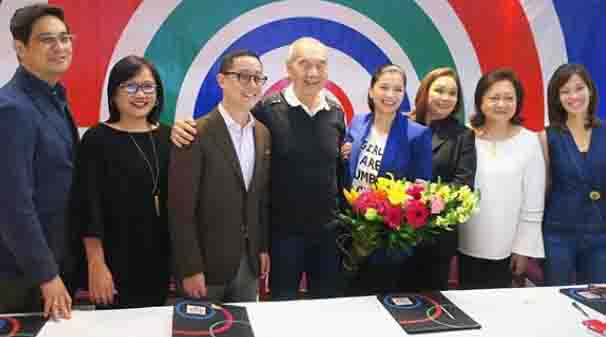 Angel Locsin renews contract with ABS-CBN