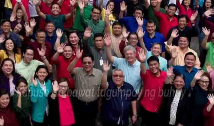 """WATCH:  GMA Station ID 2018: """"Buong Puso Para Sa Kapuso"""""""