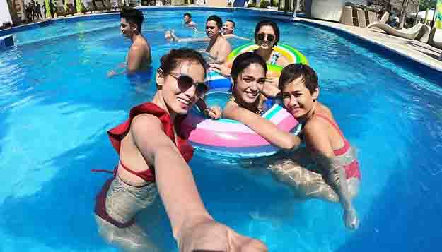 Summer heat with the Bubble Gang girls