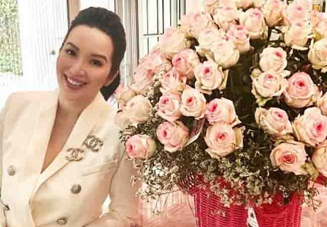 Kris Aquino and Sharon Cuneta share their gifts to each other