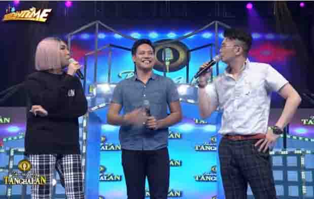 Vice Ganda teaches Alden Richard lookalike contestant how to dance