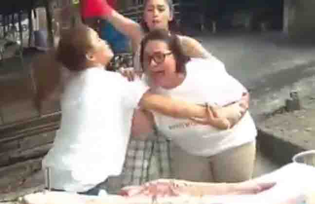 WATCH:  Karla Estrada goes hysterical upon seeing her 'ate' – a lechon