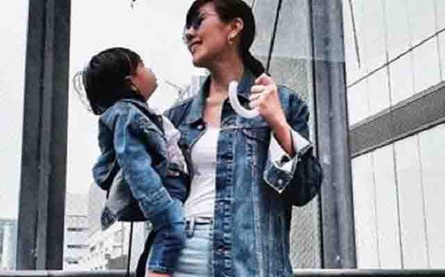Liz Uy and son Xavi stroll around Japan in style