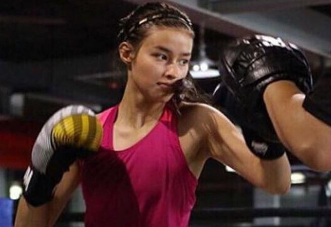 "Director Erik Matti describes Liza Soberano's 'Darna' costume: ""More of a warrior"""