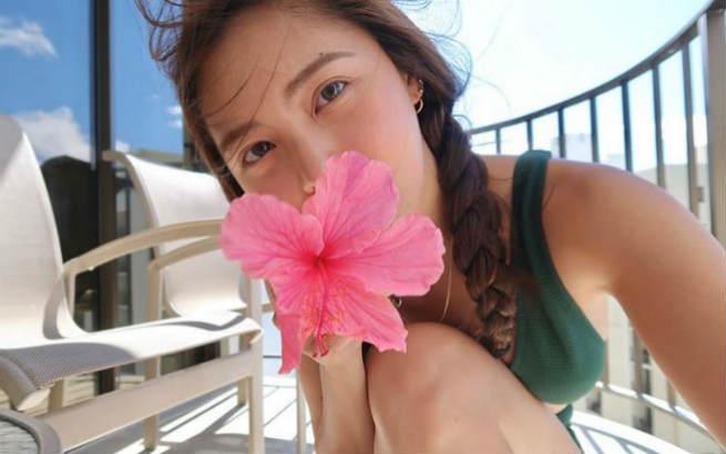 Kim Chiu flaunts beach body in Hawaii