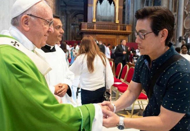 Richard Yap shares 'blessed experience' of meeting Pope Francis in Vatican