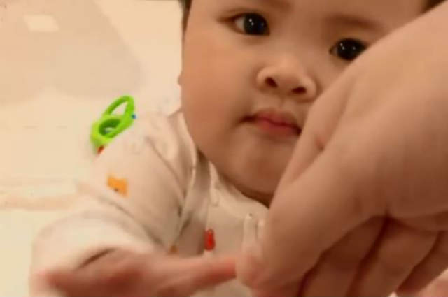 WATCH: Baby Tali can now do the 'mano'