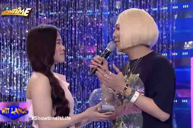 WATCH: Vice Ganda asks Ate Girl Jackque to be his date to ABS-CBN Ball