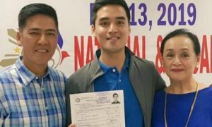 WATCH: Coney Reyes gets emotional at son Vico Sotto's filing of COC