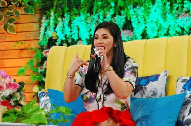 Regine Velasquez to have three regular shows after contract signing with ABS-CBN