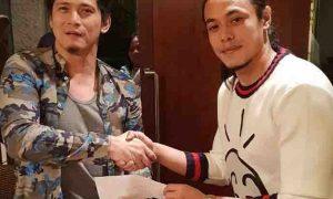 Terrence Romeo inabot ang check kay Robin Padilla para sa Marawi project