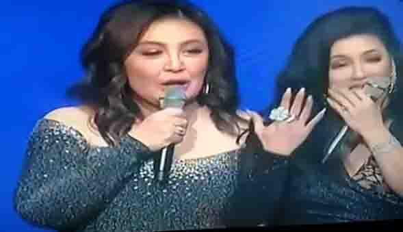 WATCH:  Sharon Cuneta surprises Regine Velaquez with a diamond ring