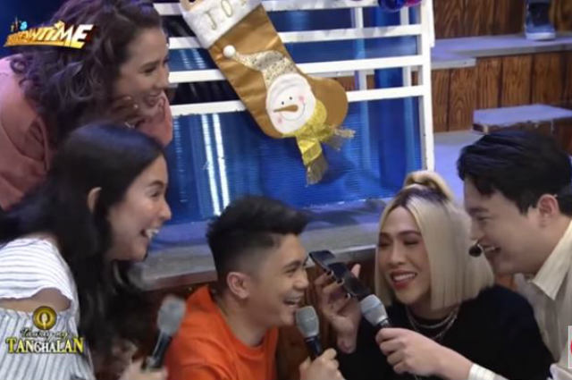 WATCH: 'It's Showtime' hosts catches Vice Ganda speaking with Calvin Abueva on the phone