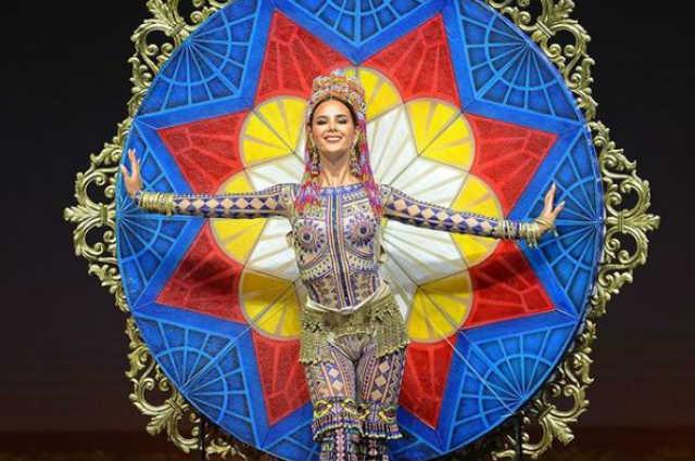 Catriona Gray's stunning 'LuzViMinda' national costume showcases Philippines' three main islands