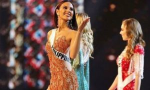 "Catriona Gray keeps Pinoys' hopes high in Miss Universe pageant: ""Laban tayo!!"""