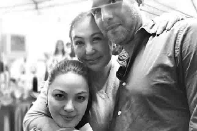 Sharon Cuneta celebrates 'Mega Noche Buena' with family
