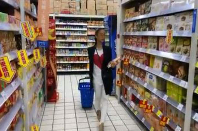 WATCH: Heart Evangelista finally makes it to the grocery with her #OOTD in China