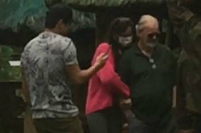WATCH: Netizen claims they spotted Catriona Gray and Sam Milby together