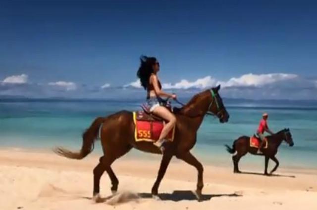 WATCH: Kim Chiu bravely rides a speeding horse during her Balesin trip