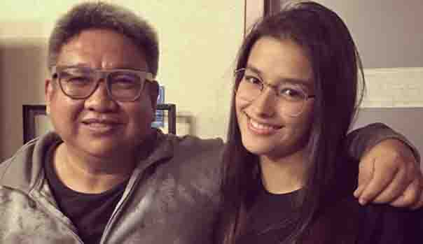 Erik Matti reacts to netizen's accusation that he does not want Liza Soberano to play the role of 'Darna'