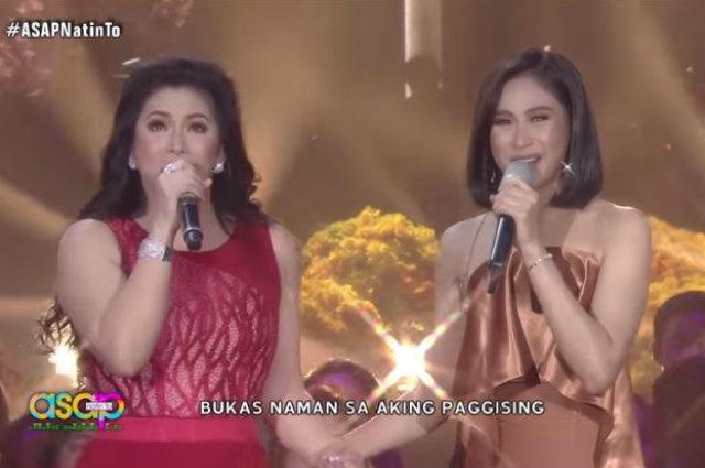 "WATCH: Regine Velasquez and Sarah Geronimo get emotional while performing ""Pangarap Na Bituin"""