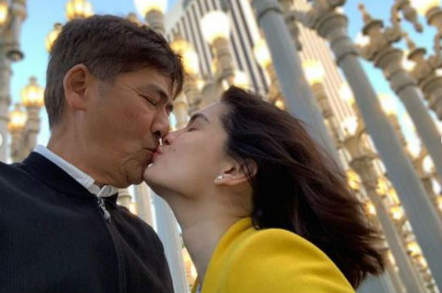 LOOK: Vic Sotto and Pauleen Luna share sweet kiss during their US trip
