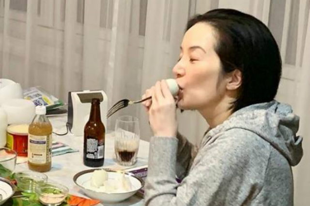 "Netizens react to Kris Aquino's use of fork when eating 'balut': ""Sosyal pa din kahit balot kinakain"""