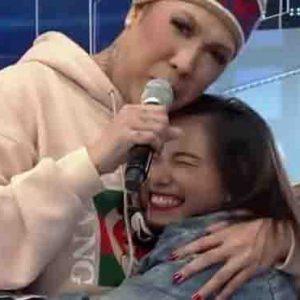 """Vice Ganda nagbigay ng scholarship sa isang audience ng """"It's Showtime"""""""