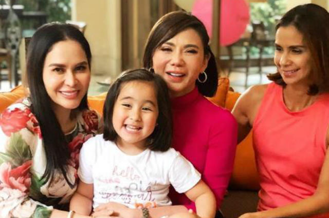 LOOK: Scarlet Snow Belo gets a visit from her 'ninangs' Jinkee Pacquiao and Dyan Castillejo