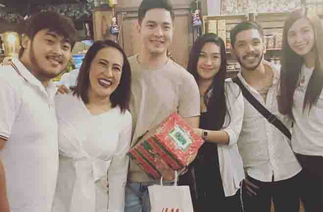 Family defends Ai-Ai delas Alas against bashers over Alden Richards photo