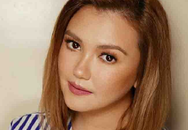 Angelica Panganiban reveals her ex-bf broke up with her via text message