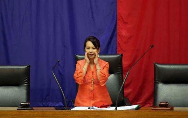 Celebrities react to Rep. Gloria Arroyo's House takeover