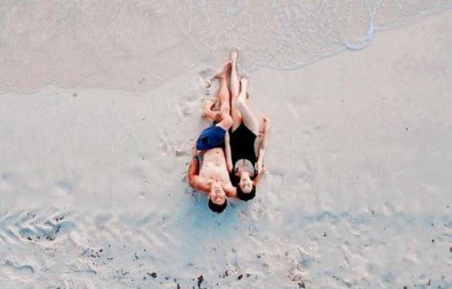 Jennylyn Mercado shares stunning beach photo with Dennis Trillo