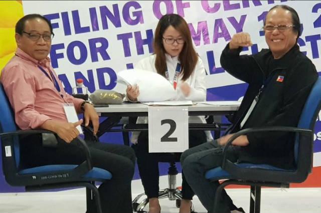 Freddie Aguilar files COC for senator under Duterte's PDP-Laban