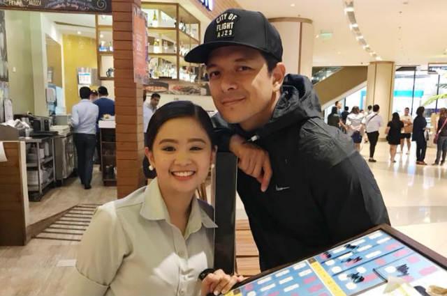 """Jericho Rosales' photo with a fan goes viral: """"After 30 mins.. Binalikan nya ko!"""""""