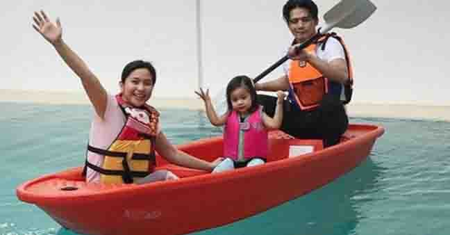 Mariel, Robin and Baby Isabella spend weekend with a boat ride at home