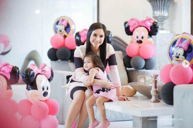 WATCH: Mariel Padilla lets baby Isabella eat chocolate for the first time on her 2nd birthday