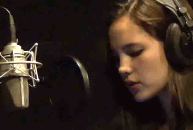 WATCH:  Catriona Gray sings her own rendition of 'O Holy Night'