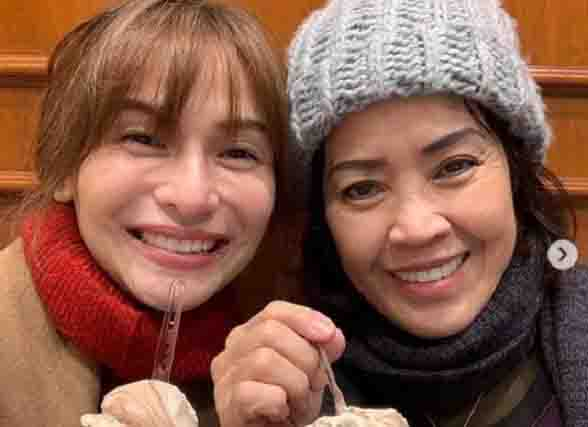 Jennylyn Mercado and Dennis Trillo's mom enjoy the city of Rome