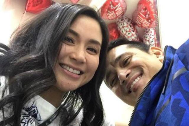 """Mariel Padilla hits back at netizen criticizing Robin Padilla's photo with """"girls on his lap"""""""