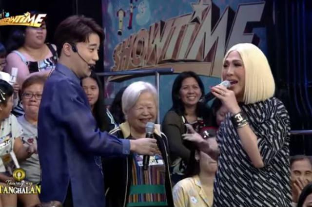 WATCH: Vice Ganda grants wish of 'Tawag ng Tanghalan' contestant's mother