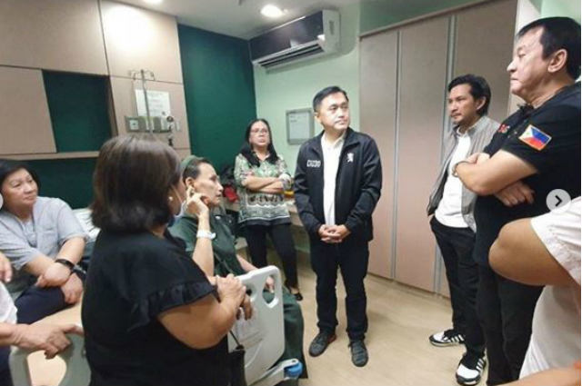 LOOK: Robin Padilla, Philip Salvador, Bong Go visit Eddie Garcia in the hospital