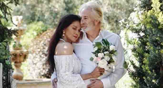 Maria Isabel Lopez gets married for the second time at 60