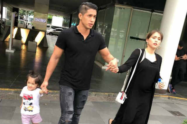 LOOK: Did Aljur Abrenica show Kylie Padilla's 'baby bump' in family photo?