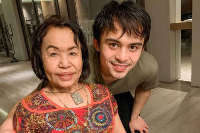 Mommy Dionisia Pacquiao gives all out support to grandson Jimuel during boxing match