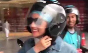 Kim Chiu avoids traffic by taking motorcycle ride service