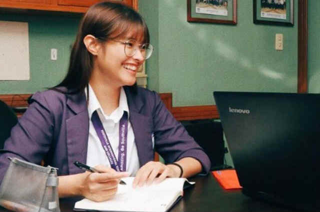 Liza Soberano returns to school after finger surgery
