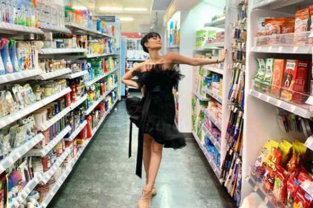 LOOK: Heart Evangelista flaunts OOTD at the grocery