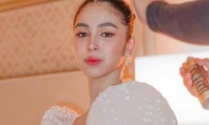Netizens react to Julia Barretto's 'glass skin' look