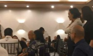 WATCH: Gretchen Barretto arrives at late father's wake